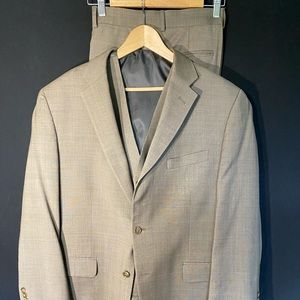 Jones New York men's vested 44R suit